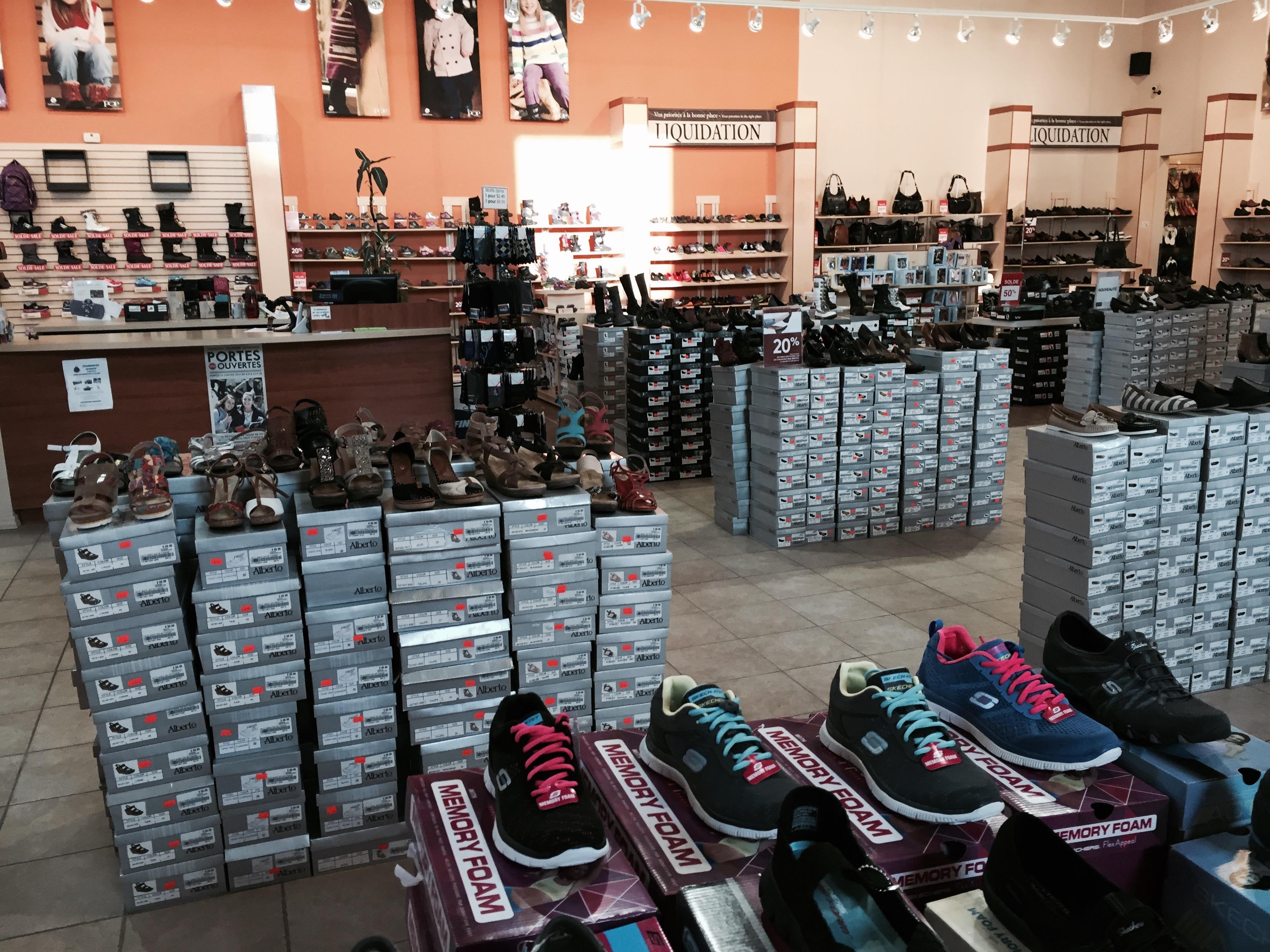 f1d9f2d31e65c9 Le magasin Chaussures Pop de la rue Édouard-Dufour à Plessisville propose  un très grand choix de chaussures pour hommes, femmes, enfants et bébés.